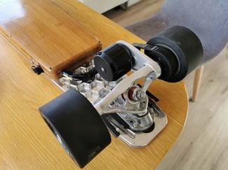 Skateboard Axle 2